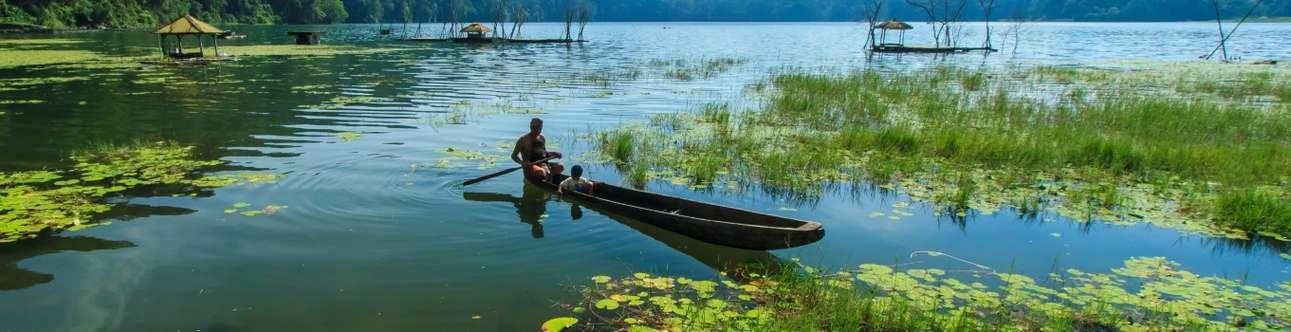 Visit the mesmerizing Tamblingan Lake in Bali