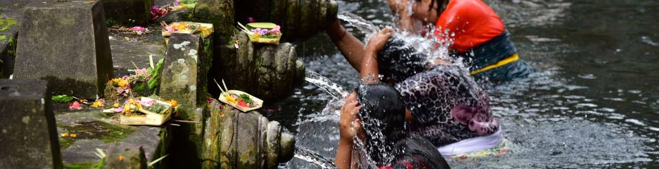 Experience the culture of Balinese Hindu by bathing in holy springs