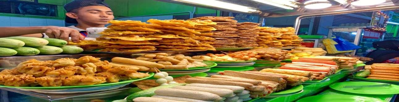 Visit the Batu Ferringhi Night Market in Penang