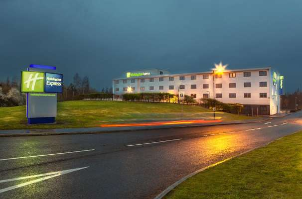 Hotel Holiday Inn Express Manchester Airport UK - Review
