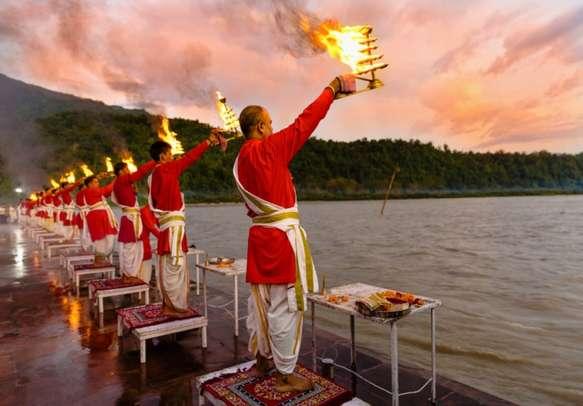Participate in the blissful Ganga Aarti