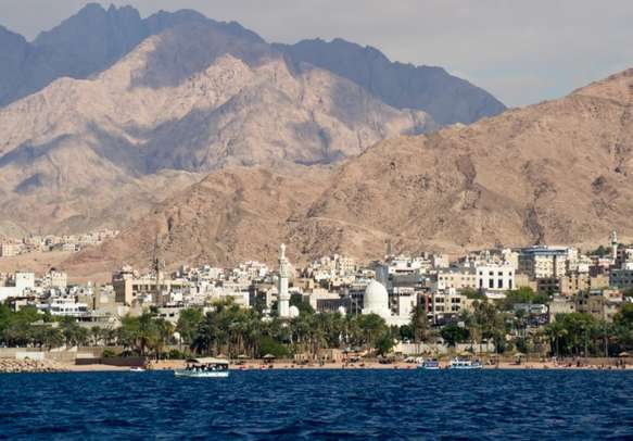 Mesmerizing seaside view of the jordan city of Aqaba at the Red Sea