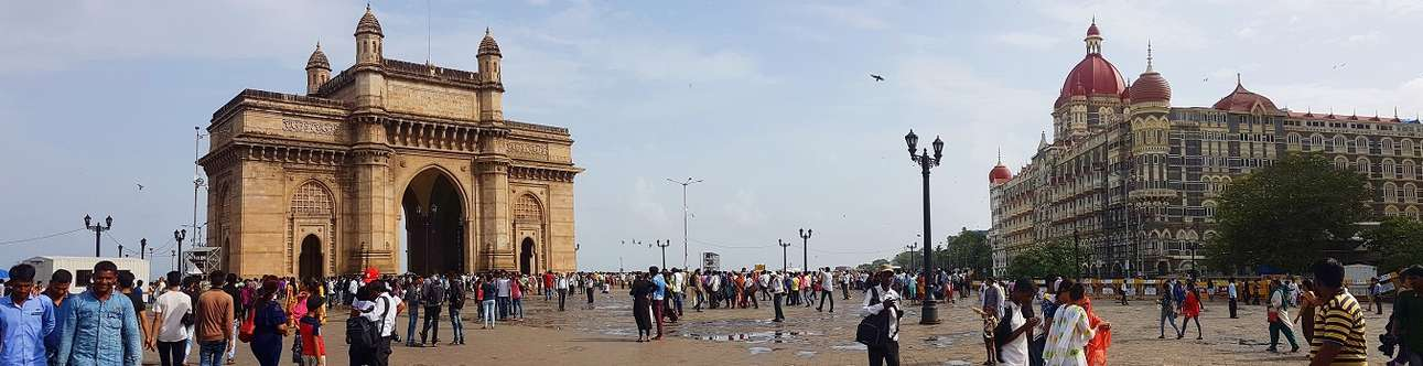Visit the most important landmark of the city of Mumbai