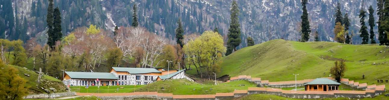 Spend some amazing time at the Betaab Valley