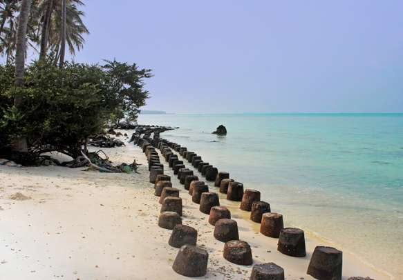 Untouched tropical island beach in Lashadweep