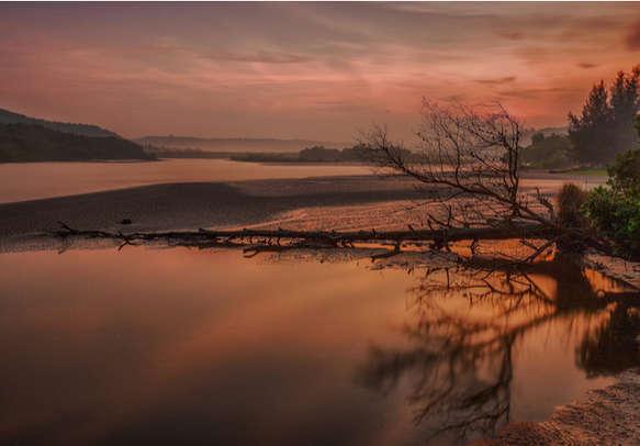 Sunrise at Aare Beach, Ganpatipule