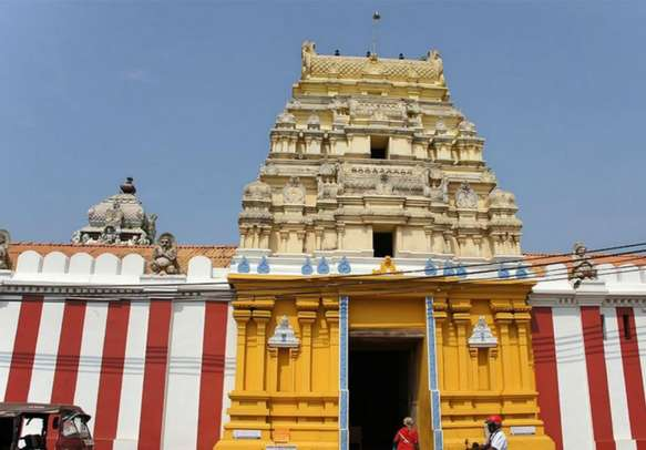 Pay a visit to the sacred Munneswaram Temple on your Ramayana tour of  Sri Lanka