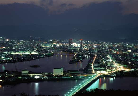 The grand view of the Kochi skyline will leave you in  awe on your Kerala trip