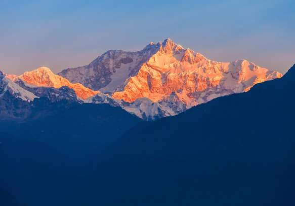 Enjoy the beautiful sunrise from the Kanchenjunga Peak in Sikkim