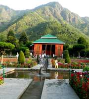 Kashmir Family Tour Package