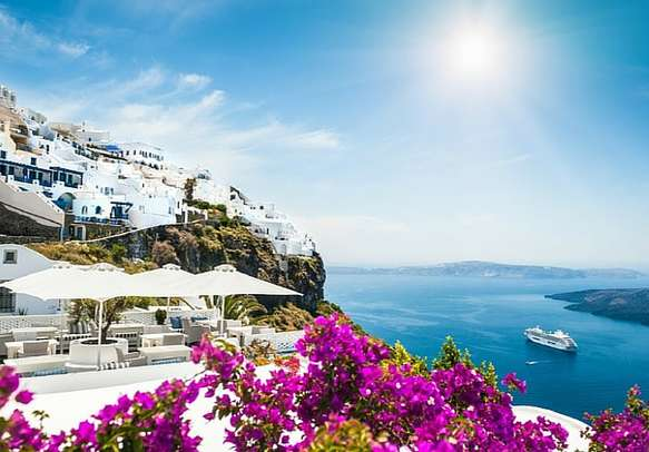 Have a soothing vacation here with your Greece holiday package