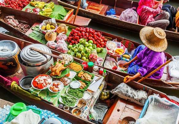 Floating markets in Bangkok are a sight to behold