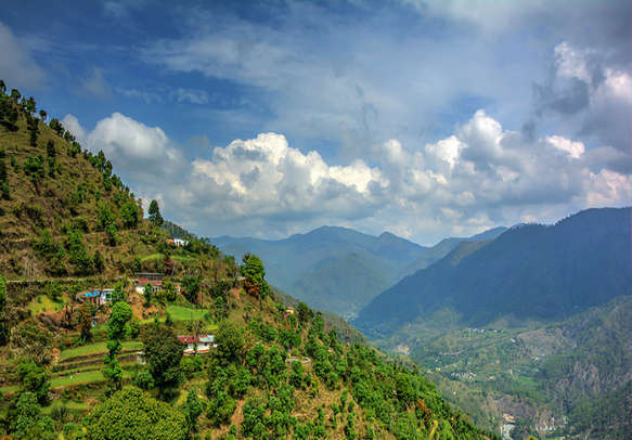 Visit the top tourist attractions of Uttarakhand with this Uttarakhand tourism package