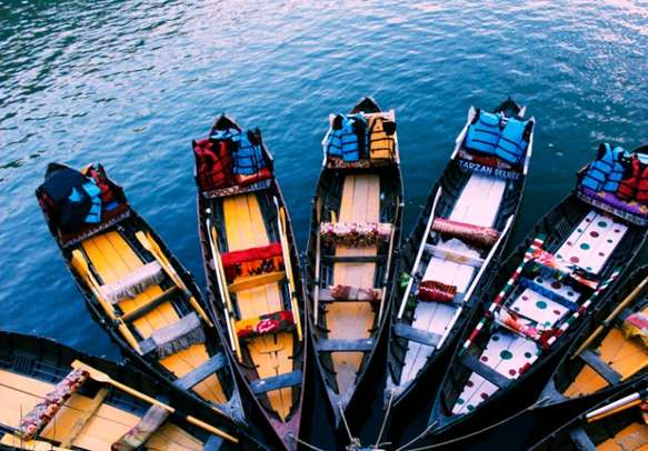 Try your hands on boating in Uttarakhand