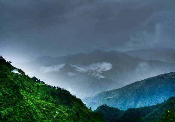 Mussoorie is one of the top tourist attractions of Uttarakhand