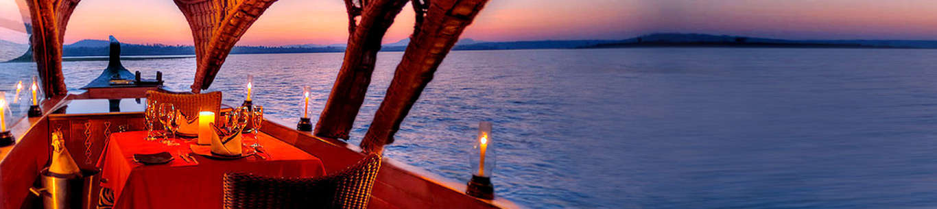 Enjoy romantic candle light dinner on your Kerala honeymoon