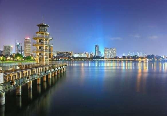 Book a Singapore package tour and enjoy the irresistible beauty of the city