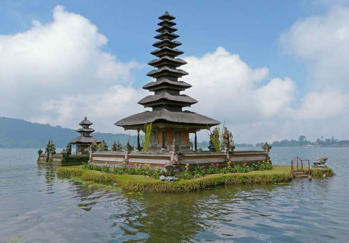 Affordable 8 Days Singapore And Bali Honeymoon Packages