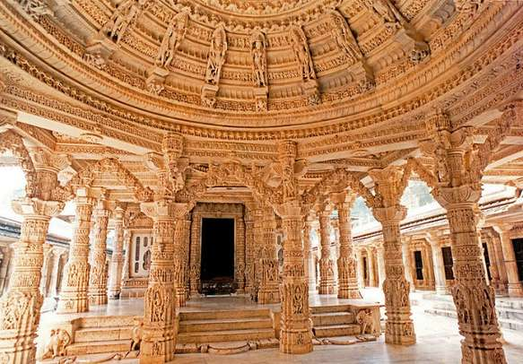 Marvel at the splendid architecture of temples covering the floors of Mount Abu