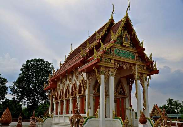 Discover the history of Cambodia with its ancient temples