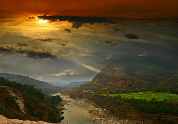 This romantic view will enhance the beauty of your honeymoon in Uttarakhand