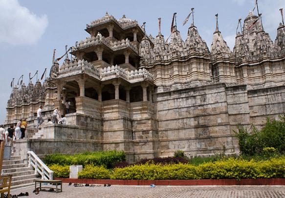 Head to Dilwara Jain Temple and seek blessings