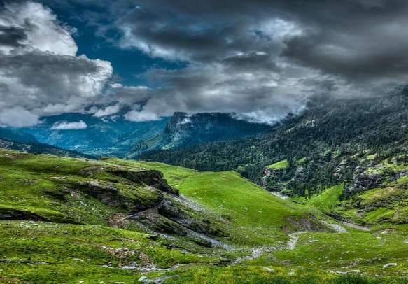 Spectate the jaw-dropping marvels of nature in Manali