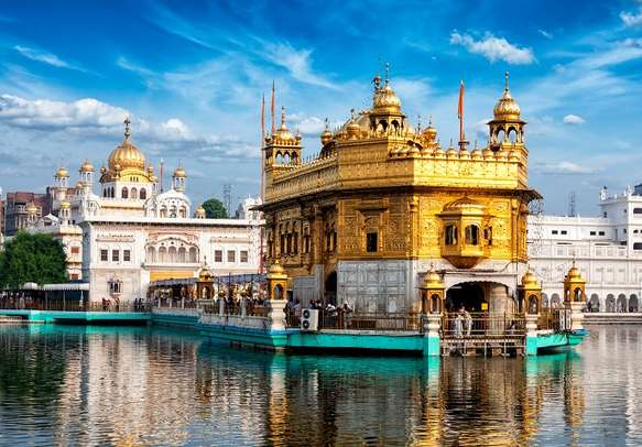 Let your mind relax and feel the divinity in Amritsar