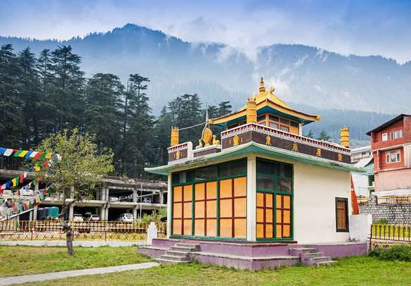 Explore the religious practices at the Buddhist monasteries in Manali