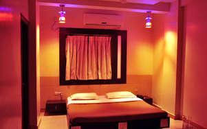 Safari Hotel & Resort
