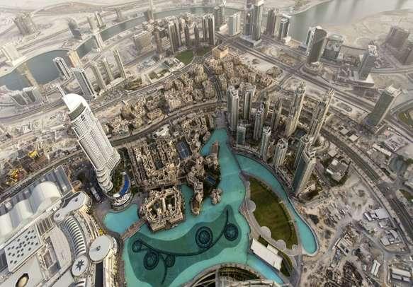 Burj Khalifa alone is enough to leave you in an awe of Dubai