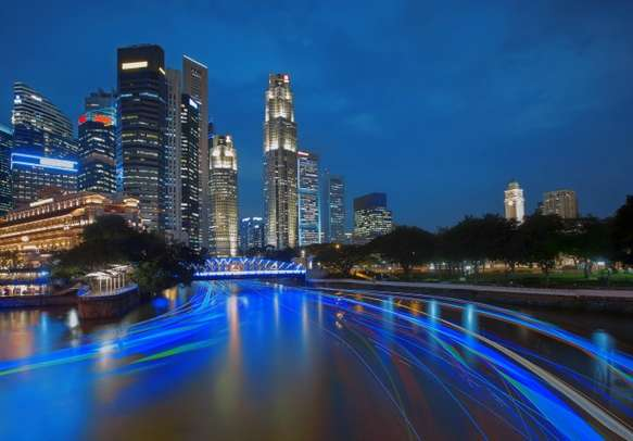 Delight in beauty of Singapore after sunset
