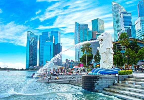Enjoy an intruging Singapore city tour