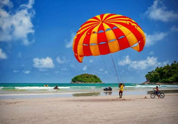 Enjoy watersports with your beloved in Bali.