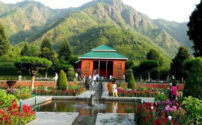 Mesmeric Kashmir Summer Special Honeymoon Package