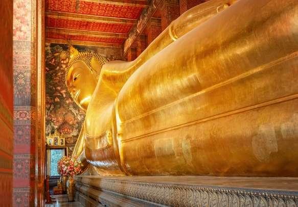 Visit the famous Reclining Buddha in Bangkok