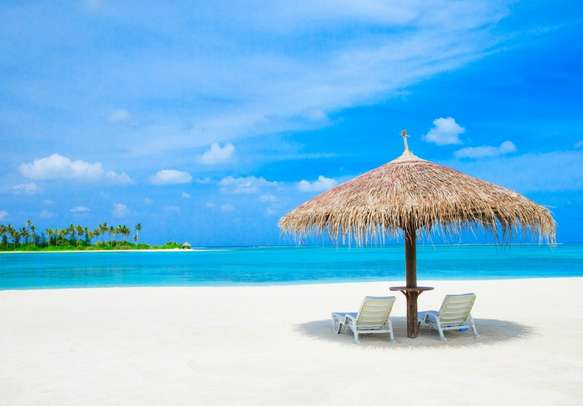 Relax and soak up the sun on the beach with this 4 nights 5 days Maldives family package.