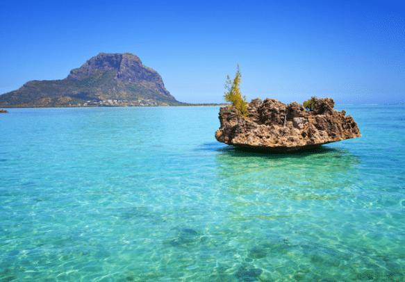 Explore Mauritius with a submarine cruise
