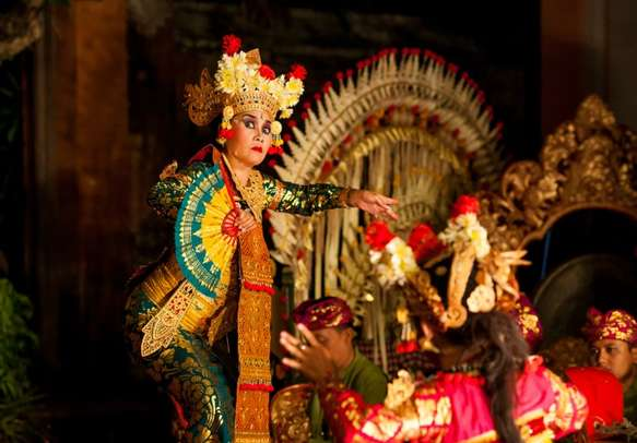 Enjoy the traditional dance of Bali during your trip