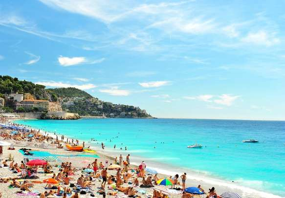 Enjoy the beauty of France on this Europe tour
