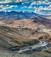 Adventurous Summer Special Ladakh Honeymoon Package