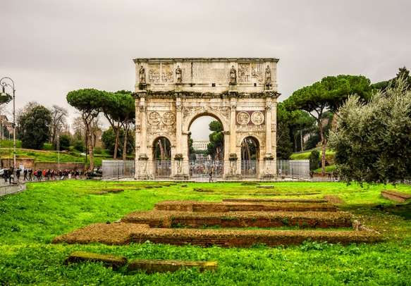 Visit this amazing Arch of Constantine in Rome