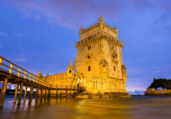 Enjoy spending time by the Tagus river in Lisbon