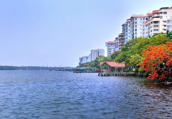 Explore the Marine Drive on this Cochin tour itinerary.