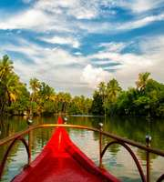 Bewitching Alleppey-Kovalam Honeymoon Package