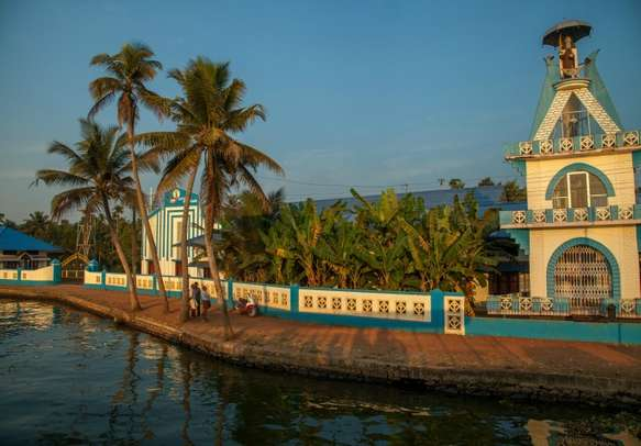 Revel in the religious fervor of Kerala on this family holiday tour.