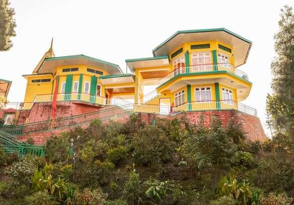 Explore the Ganesh Tok viewpoint in Gangtok.