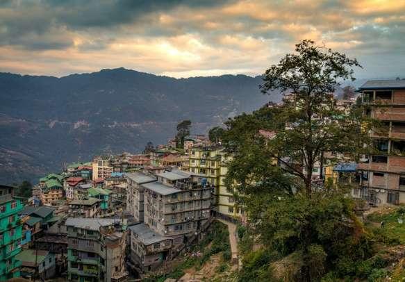 Enjoy the beauty of Gangtok on this trip