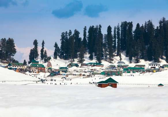 The magical beauty of Gulmarg will mesmerize you and your partner.