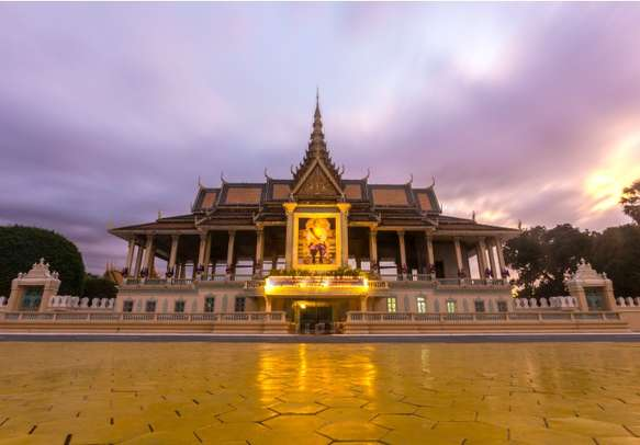 Revisit the bygone era at the Royal Palace complex in Phnom Penh